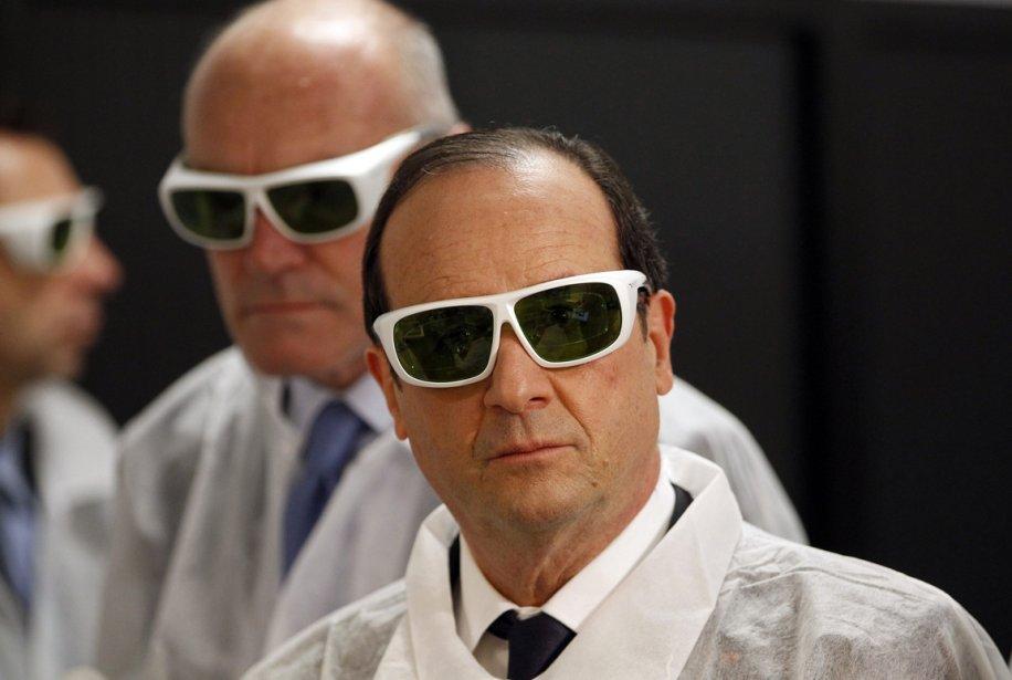 Le President de la République François Hollande visite une usine à Pessac. | 11 janvier 2013