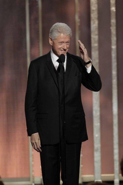 Dans une soirée qui ne manquait pas de présentateurs de prestige, celui qui a suscité le plus grand émoi est sans contredit l'ancien président Bill Clinton, venu dire un mot sur «Lincoln», film de Steven Spielberg consacré au 16e président des États-Unis et finaliste pour le prix du meilleur film dramatique. | 14 janvier 2013
