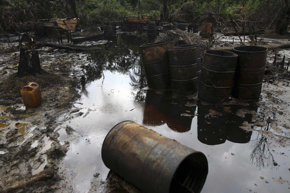 Un déversement sur le site d'une raffinerie illégale | 15 janvier 2013