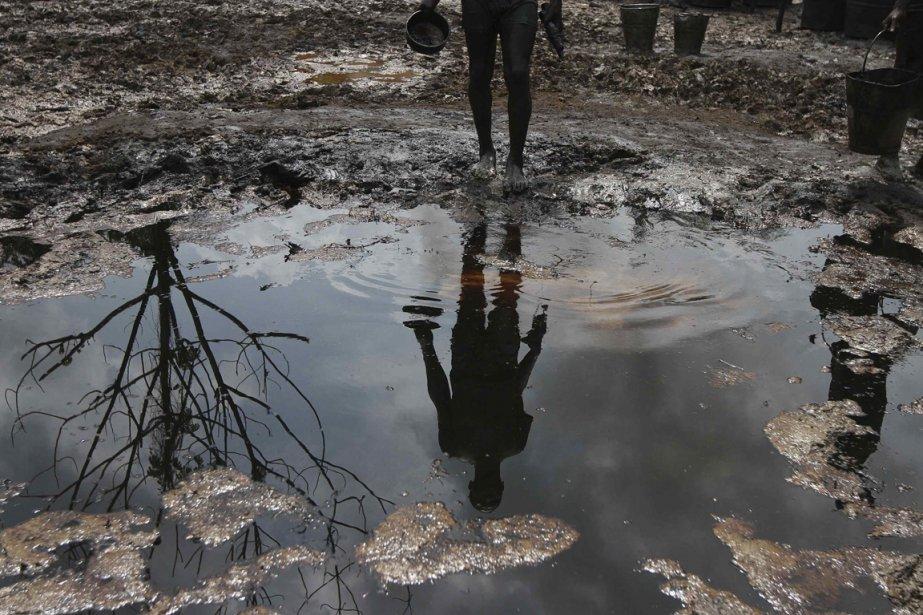 Pétrole et eaux stagnantes font partie du quotidien. | 15 janvier 2013