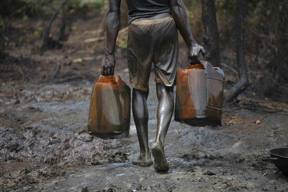 Les compagnies pétrolières le cinquième de la production du Nigeria est volé, et ce, quotidiennement. | 15 janvier 2013