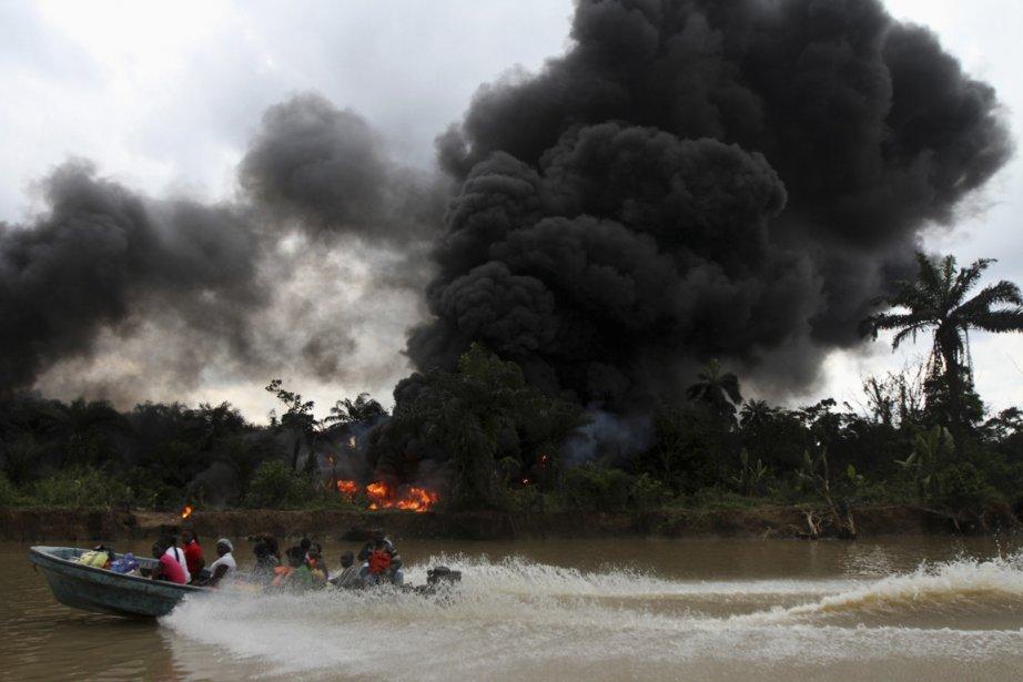 Une raffinerie illégale incendiée par l'armée du Nigeria | 15 janvier 2013