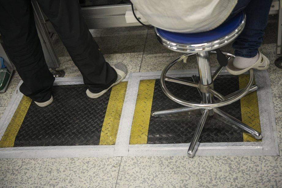 Les postes de travail sont maintenant munis de tapis caoutchoutés | 17 janvier 2013