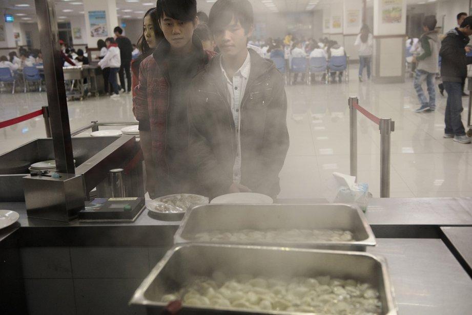 Pause du diner à la cafeteria du complexe industriel Quanta | 17 janvier 2013