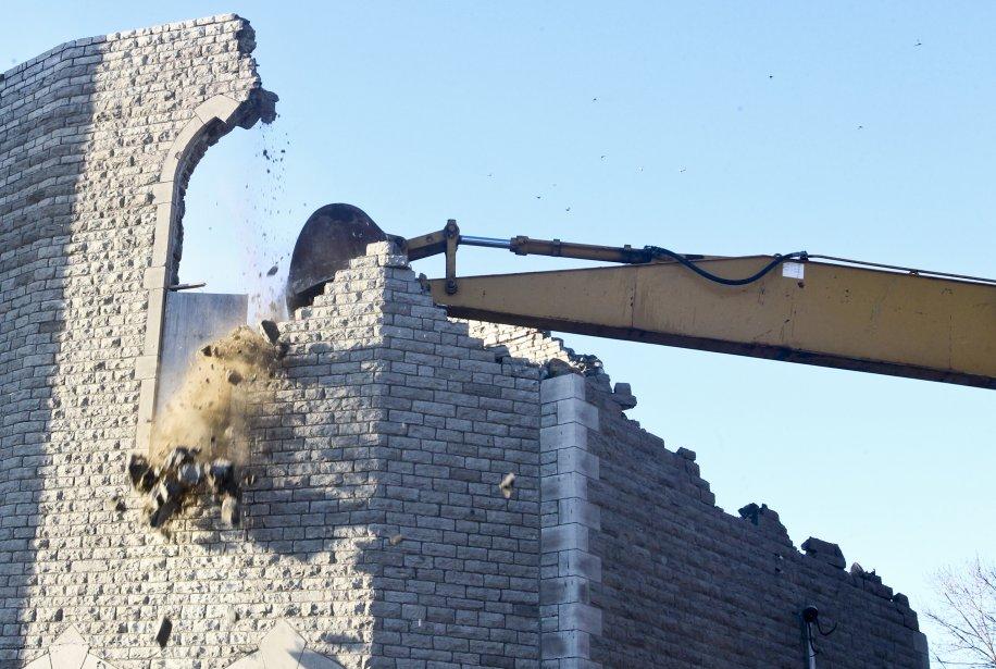 Les ruines de l'église Saint-Paul, dans le secteur Aylmer, ont été démolies, le 17 janvier. L'opération, qui s'est échelonnée sur deux jours, a coûté 20 000 $. | 17 janvier 2013