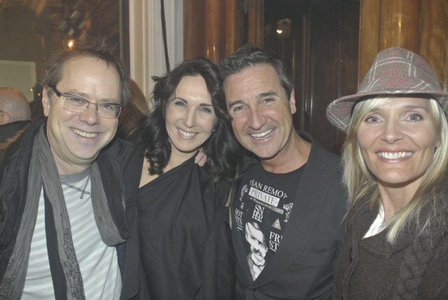 Denis Bouchard, Geneviève Dorion-Coupal, René Simard et Marie-Josée Taillefer au lancement de Kik, la première agence d'encadrement et de représentation de danseurs professionnels au Québec. (Photo: Herby Moreau, La Presse)