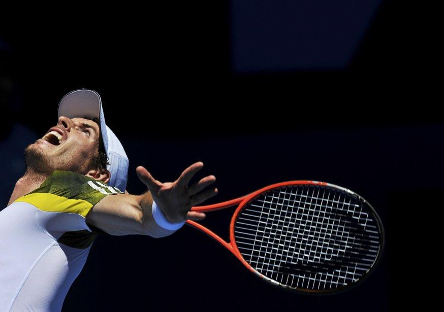 Service d'Andy Murray lors des internationaux d'Australie à Melbourne. | 18 janvier 2013