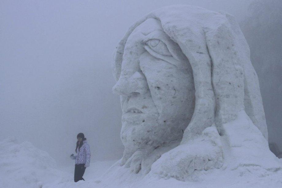 Sculpture de glace à Pustevny en République tchèque. | 18 janvier 2013