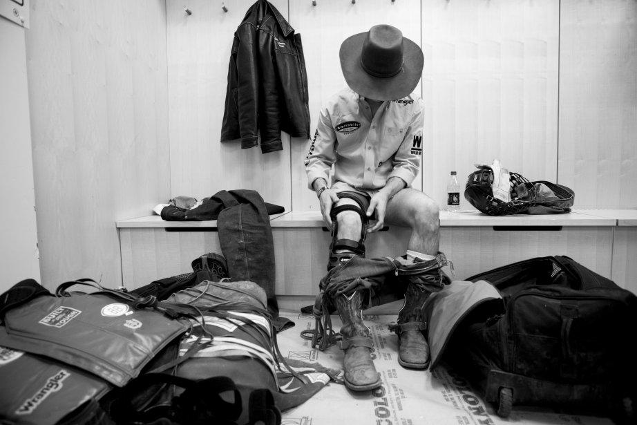 Ty Pozzobon met son attelle en préparation de la compétition. | 18 janvier 2013