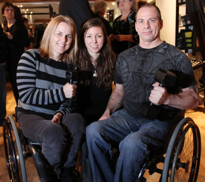 Inauguration de Thérapie Aequilibrium à Waterloo par Alix Côté-Tremblay. En compagnie des athlètes paralympiques : Diane Roy et Michel Filteau | 18 janvier 2013