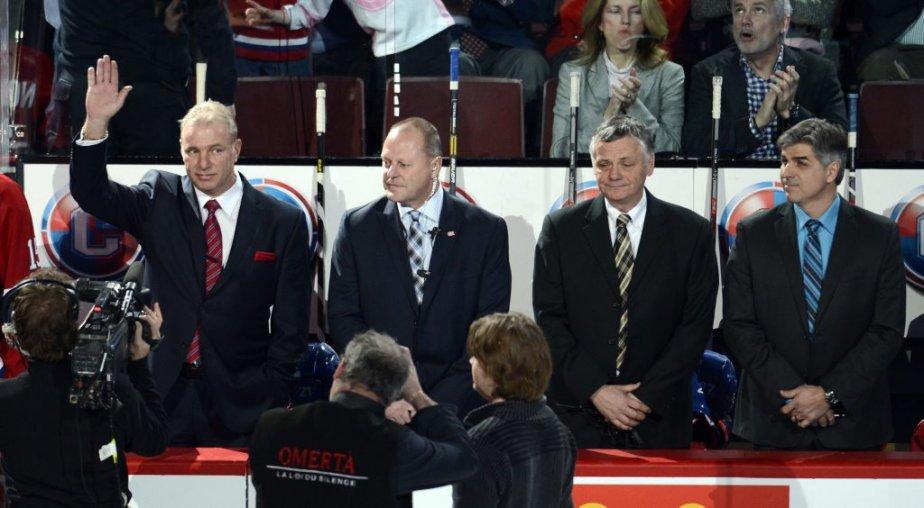 Les entraîneurs Michel Therrien, Gerard Gallant, Clément Jodoin et Jean-Jacques Daigneault ont été présentés aux spectateurs du Centre Bell. (PHOTO BERNARD BRAULT, LA PRESSE)