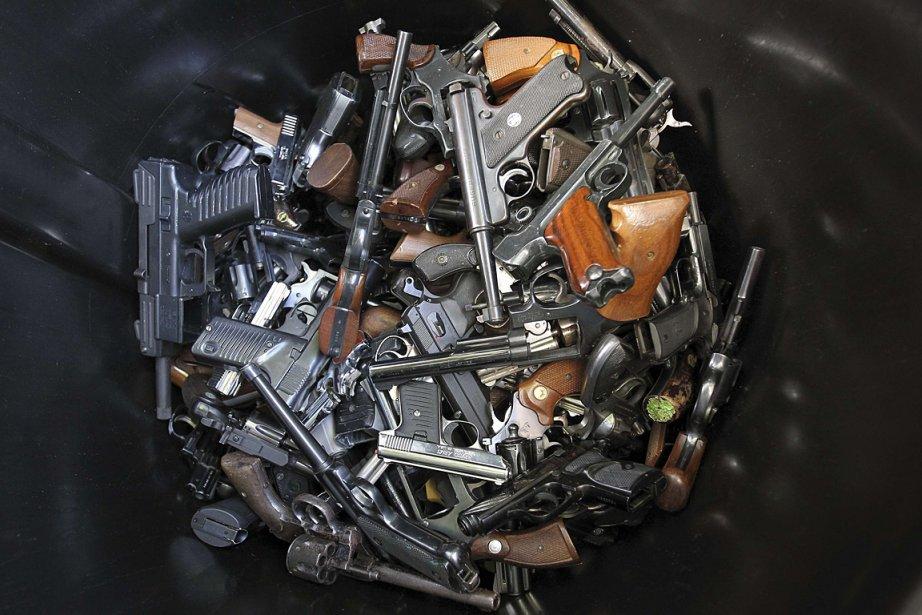 Des armes à feu récupérées par la police... (Photo: archives Reuters)