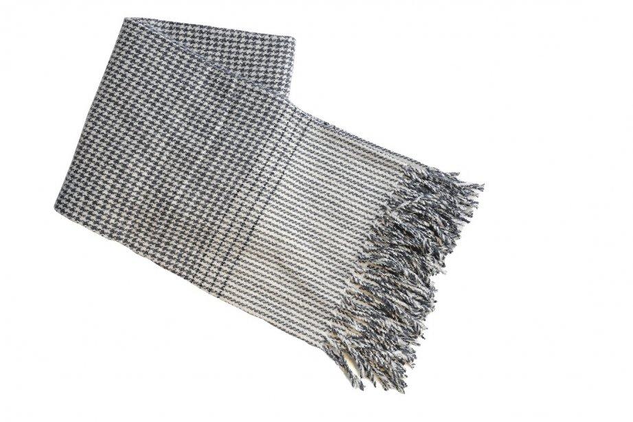 Jeté pied-de-poule en laine, 99,99$ chez EQ3, 822, Saint-Joseph Est, Québec, 418524-9998 | 20 janvier 2013