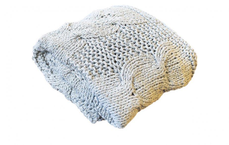 Jeté crocheté, 145$ chez Mà Mobilier Actuel, 261, rue Saint-Anselme, Québec, 418521-6262 | 20 janvier 2013