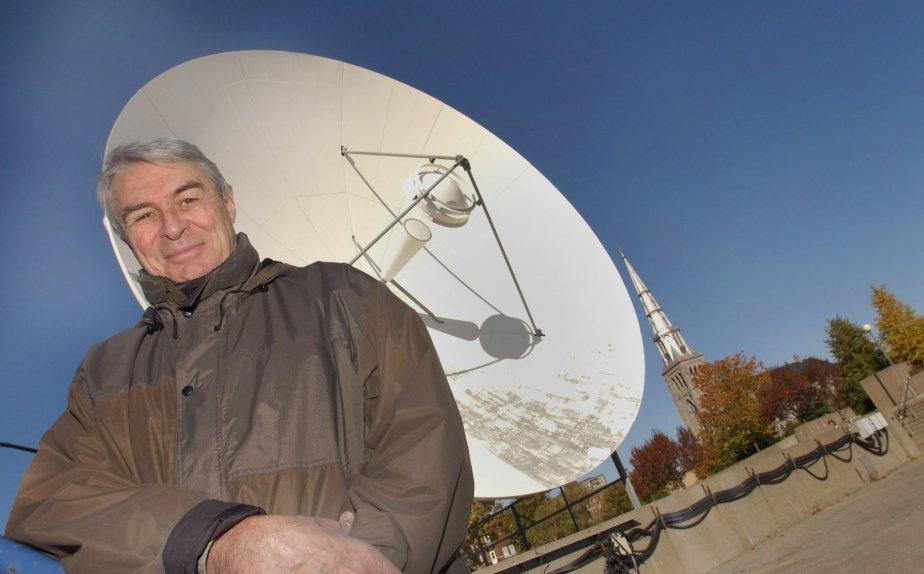 Richard Garneau dans le stationnement de Radio-Canada, en 2002. | 20 janvier 2013