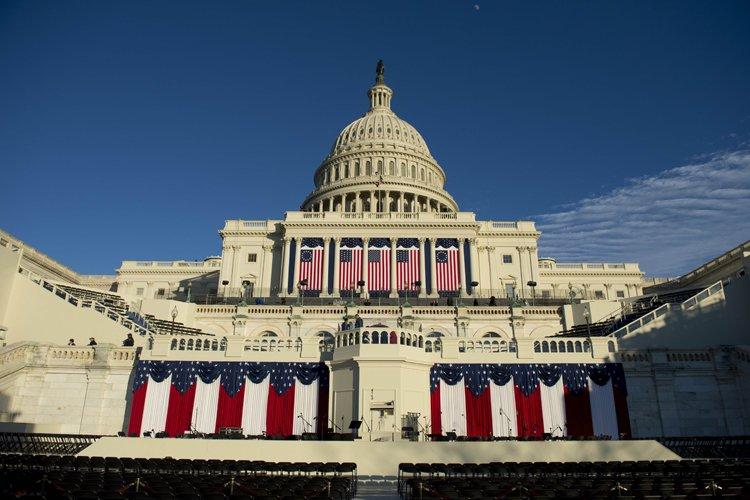 Barack Obama prêtera une nouvelle fois serment lundi... (Photo: AFP)