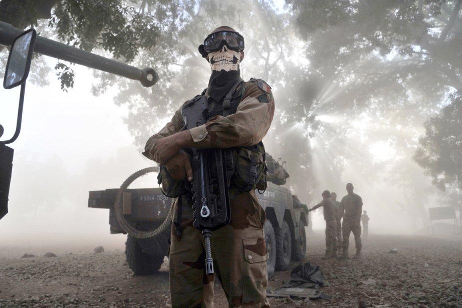 Un soldat français posté à Niono, au Mali,... (PHOTO ISSOUF SANOGO, AFP)
