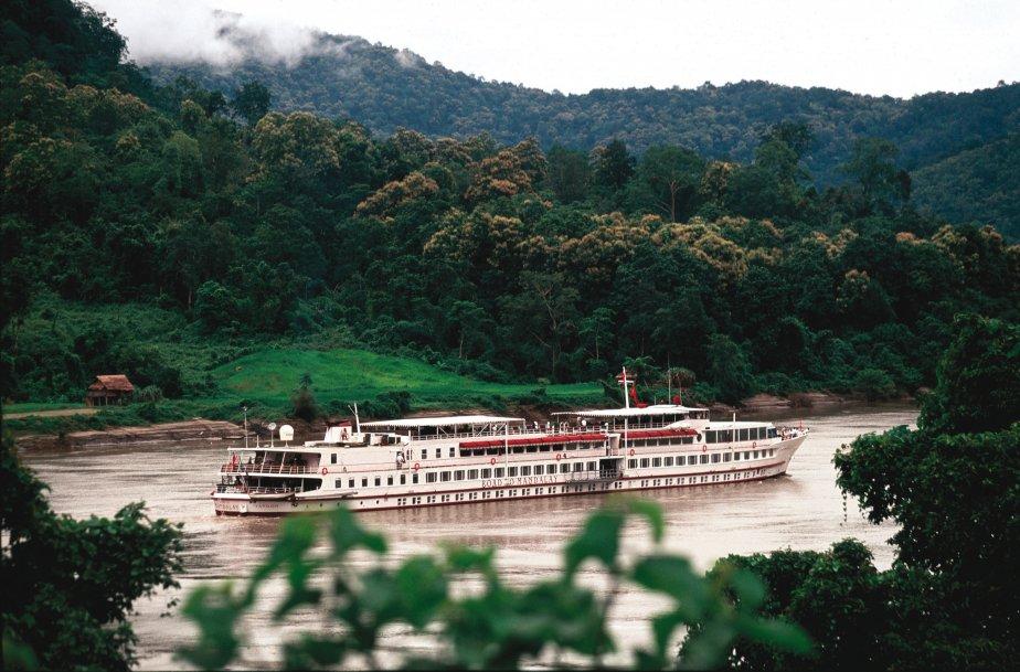 Le Road to Mandalay vogue sur la Ayeyarwady, un fleuve d'Asie du Sud-Est, principal cours d'eau de Birmanie. | 21 janvier 2013
