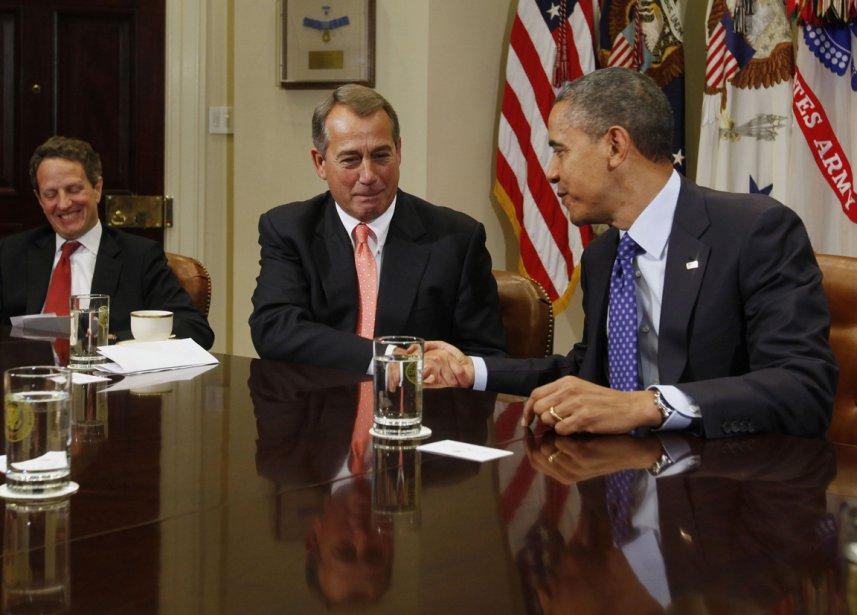 Rencontre avec le leader républicain John Boehner et le secrétaire de trésor Timothy Geithner( à gauche) lors d'une réunion sur l'économie | 21 janvier 2013