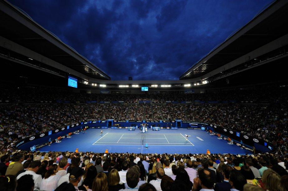 le Serbe Novak Djokovic (à gauche) contre le Tchèque Tomas Berdych, au neuvième jour de l'Open d'Australie, à Melbourne. | 23 janvier 2013