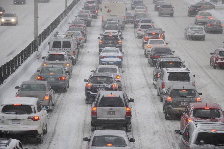 La congestion routière coûterait plus de 1,4 milliard... (PHOTO BERNARD BRAULT, ARCHIVES LA PRESSE)