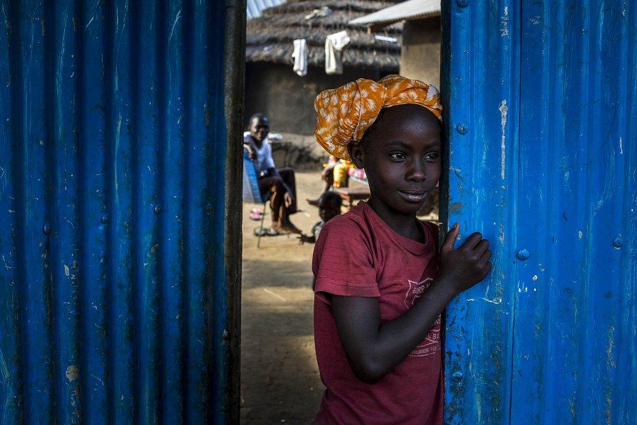 Une fillette de la tribu Bari du Soudan du Sud... | 2013-01-24 00:00:00.000
