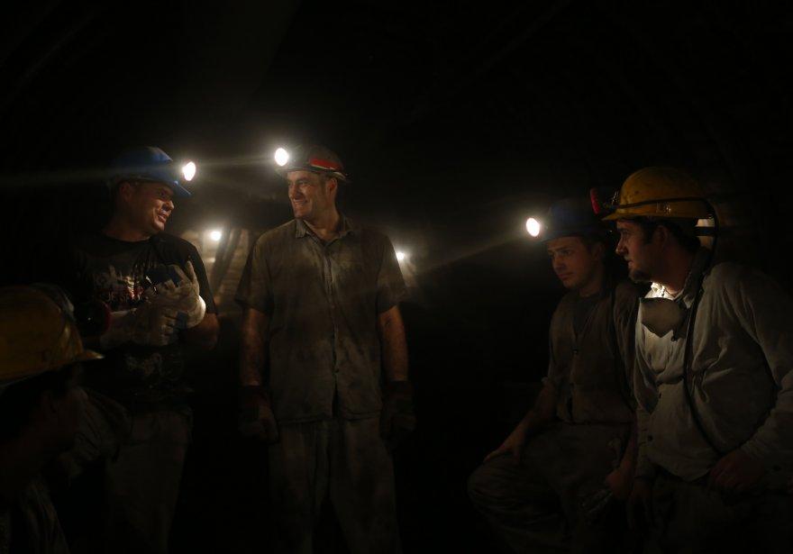 Des mineurs dans la dernière mine de charbon de Hongrie,  à Markushegy, à 70 km à l'ouest de Budapest. La Hongrie a obtenu 191 millions de dollars des États-Unis pour fermer d'ici à deux ans cette mine exploitée par Vertes Power Plant. | 24 janvier 2013