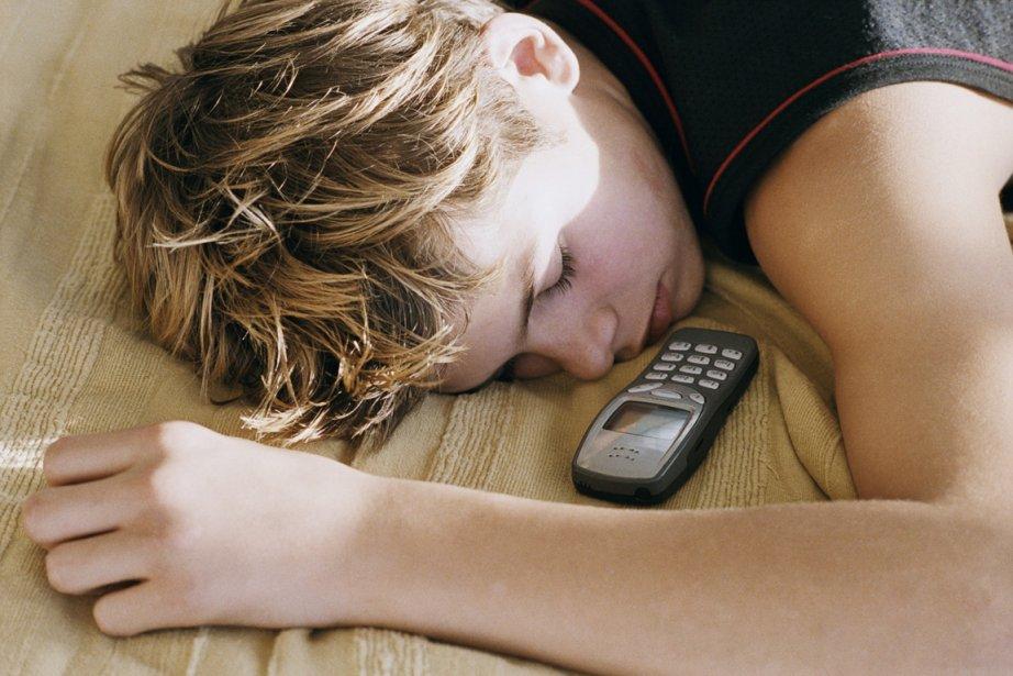 Sans grande surprise, l'utilisation du téléphone portable commence... (Photo : archives La Presse)