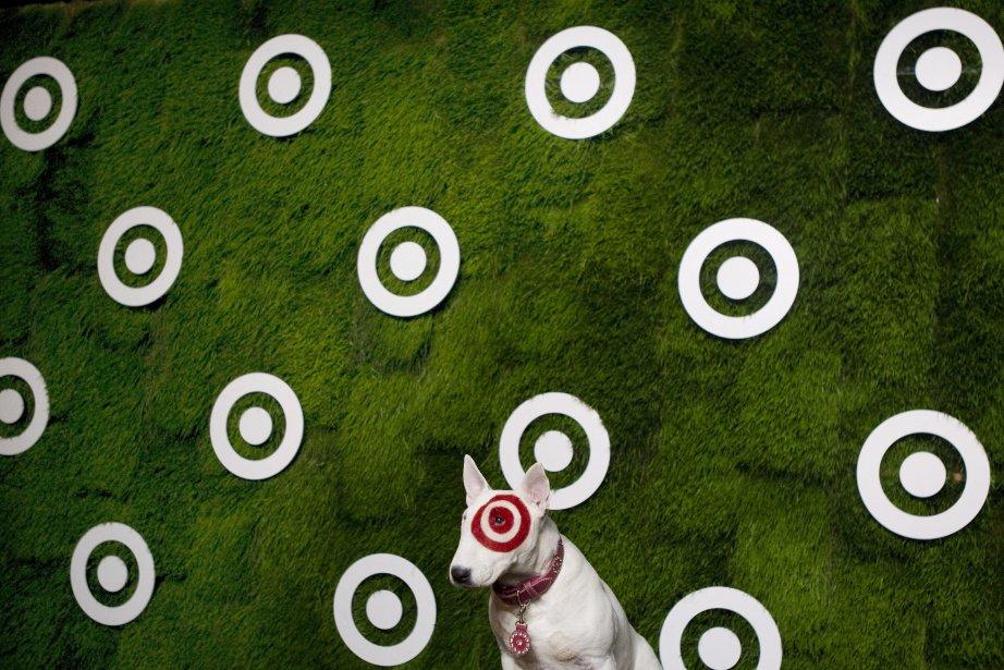 Bullseye, la mascotte de la compagnie Target, à Toronto. | 25 janvier 2013