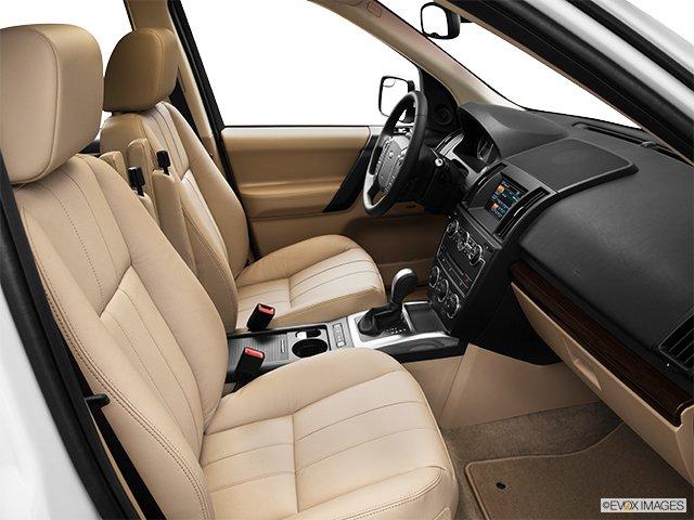 Land Rover LR2 2013: Par monts et par vaux  - Traction intégrale, 4 portes - Siège du passenger (Evox)