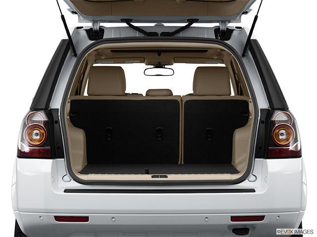 Land Rover LR2 2013: Par monts et par vaux  - Traction intégrale, 4 portes - Coffre (Evox)