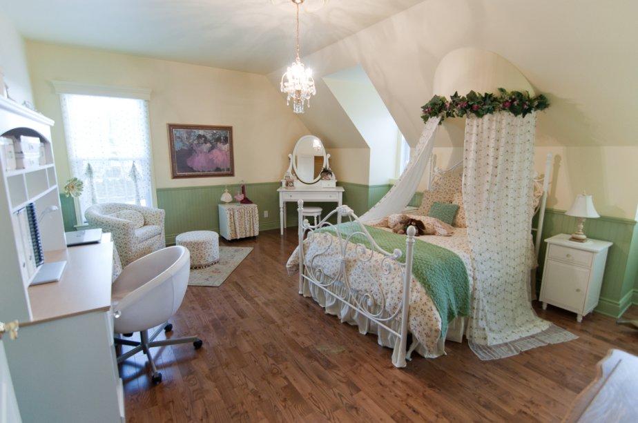 Les chambres sont de bonnes dimensions, chacune avec un placard de type walk-in. | 25 janvier 2013