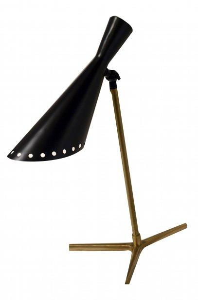Lampe rétro, 476$ chez Un Fauteuil pour Deux, 30, quai Saint-André, Québec, 418694-9449 | 27 janvier 2013