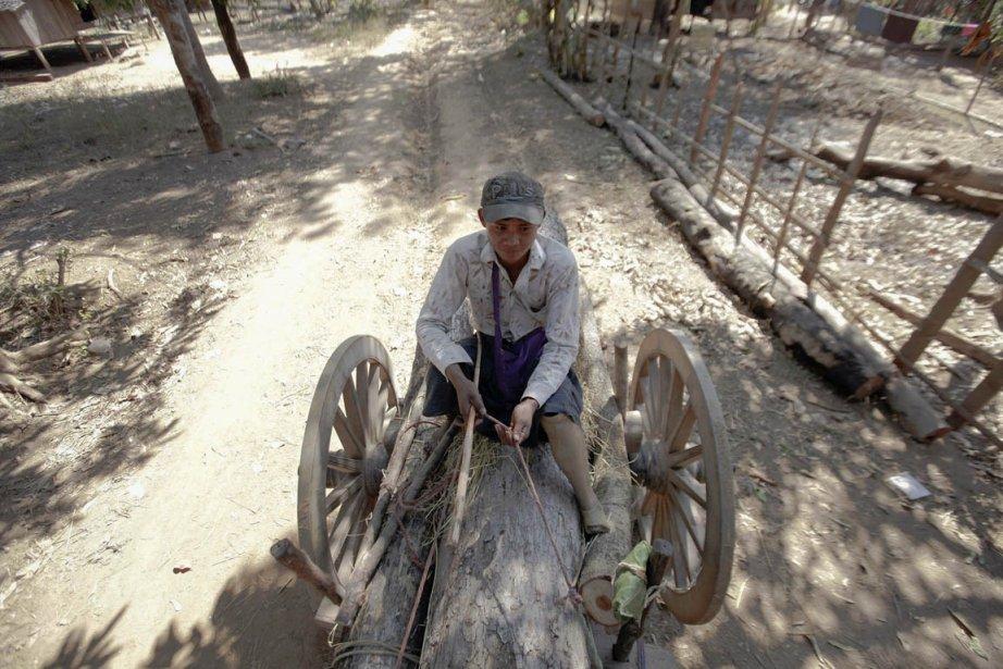 Tun Min Naing, 35 ans, qui a perdu sa jambe gauche après avoir marché sur une mine. | 28 janvier 2013