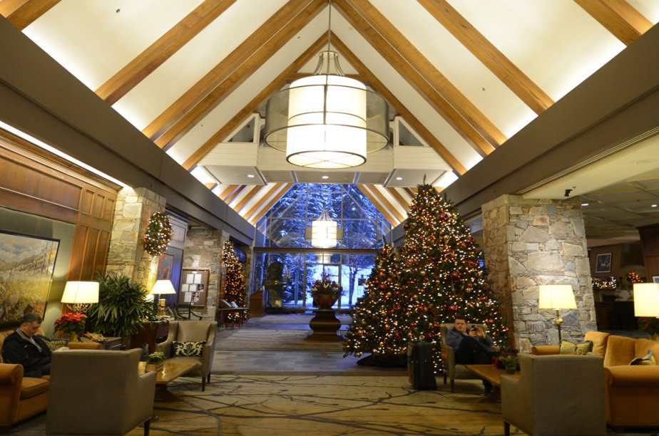 Le hall du Fairmont Chateau Whistler. | 28 janvier 2013