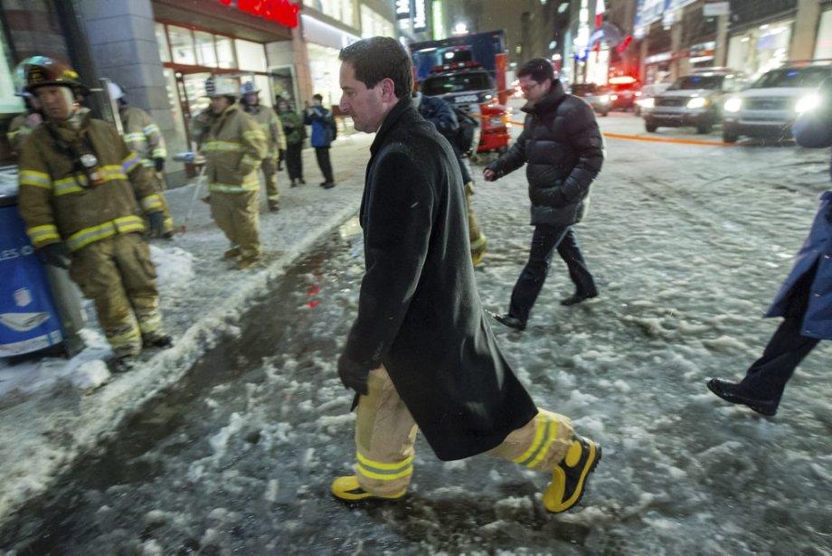 Le maire Michael Applebaum était bien chaussé pour l'occasion.... | 2013-01-28 00:00:00.000