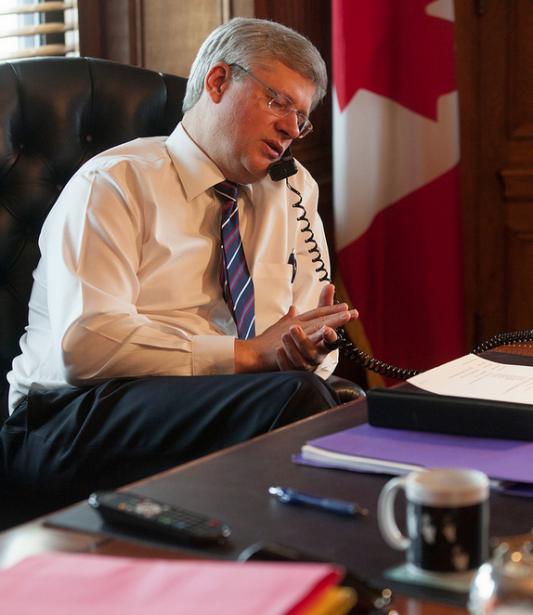 M. Harper a parlé au député de Nova-Ouest, Greg Kerr, et lui a souhaité un prompt rétablissement. | 29 janvier 2013