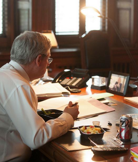 Bref déjeuner de travail, la prochaine réunion débute dans 10 minutes. | 29 janvier 2013