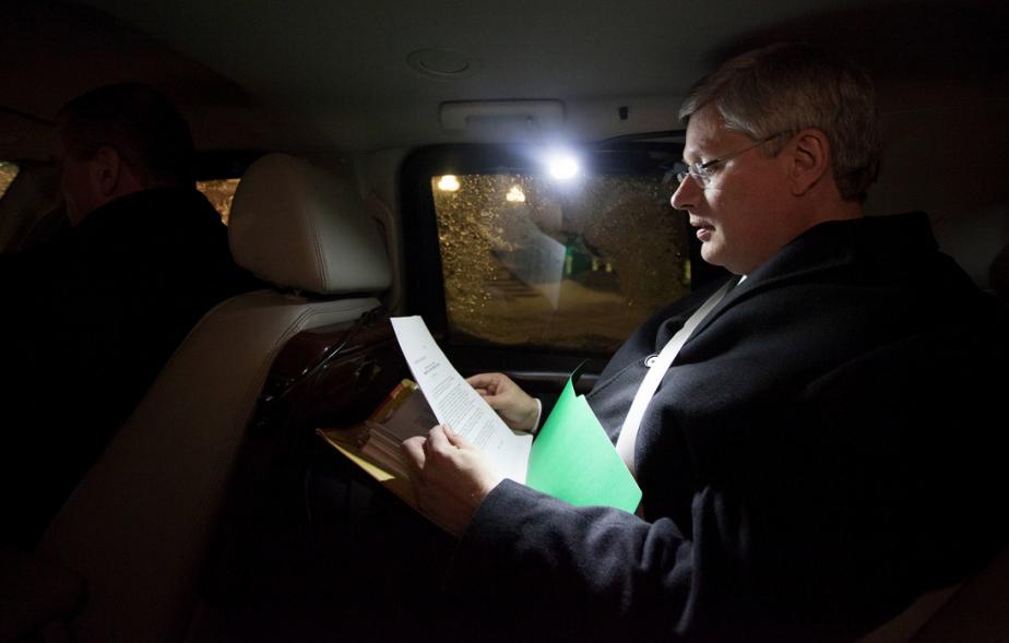 Il avance dans ses lectures en rentrant chez lui en voiture. | 29 janvier 2013