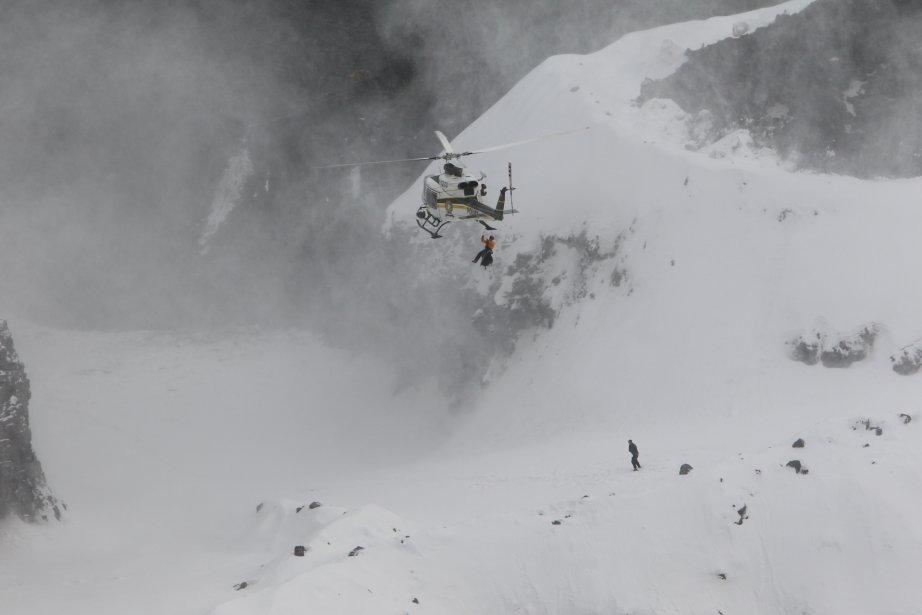L'hélicoptère de la SQ s'approche du survivant. | 29 janvier 2013