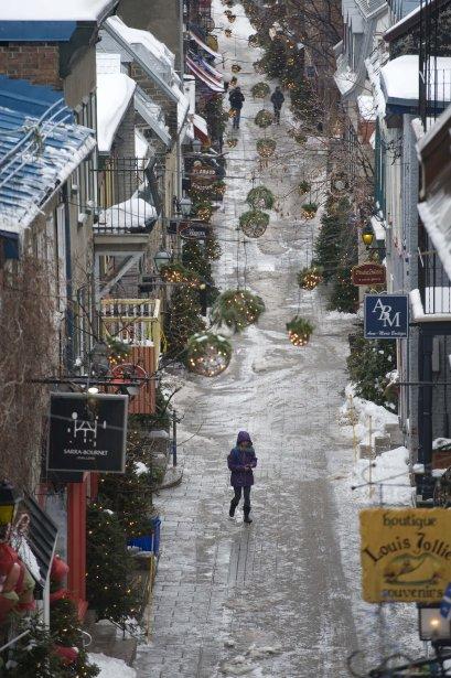 En janvier, les journées se suivent mais ne se ressemblent pas. Après les grands froids de la semaine dernière, voilà que de la pluie verglaçante s'abat du la capitale, transformée pour l'occasion en immense patinoire. (30 janvier) | 30 janvier 2013