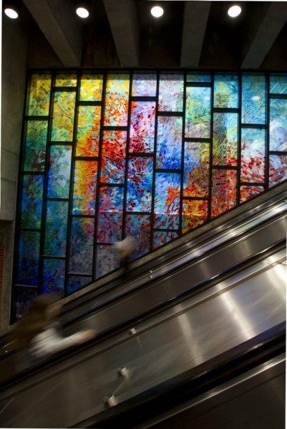 Station Charlevoix: les vitraux, œuvres de Mario Merola et Pierre Osterrath. | 31 janvier 2013