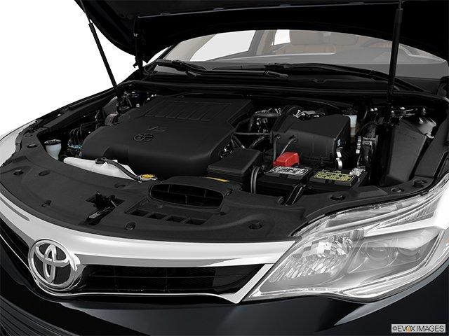 Toyota Avalon: Il n'y a que le style qui change - Berline 4 portes XLE - Moteur (Evox)