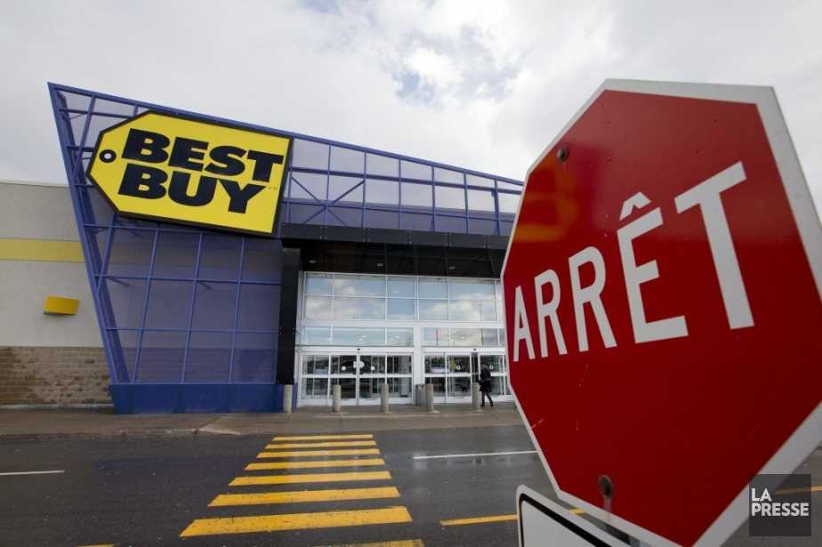 En 2012, plusieurs détaillants (Best Buy, Costco, Walmart,... (PHOTO ALAIN ROBERGE, LA PRESSE)