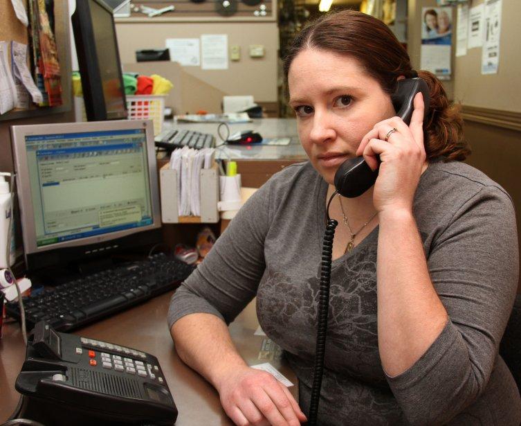 Marika Desrochers, victime fraudes téléphoniques à répétition chez Lamoureux et... | 2013-02-01 00:00:00.000