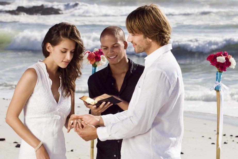 Le nombre de mariages civils célébrés par un... (Photo : archives La Presse)