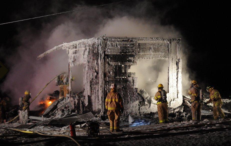 À l'arrivée des pompiers, l'incendie s'était déjà propagé à l'ensemble de la résidence. | 1 février 2013