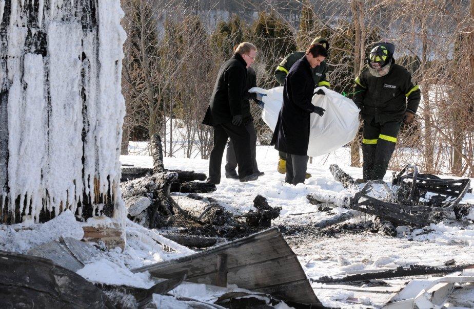 Les policiers ont découvert les corps dans les décombres peu avant 10h. | 1 février 2013