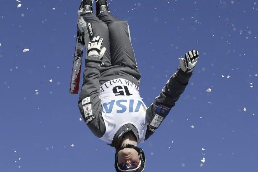 Une chute à l'atterrissage de son saut a... (Photo Rick Bowmer, Associated Press)