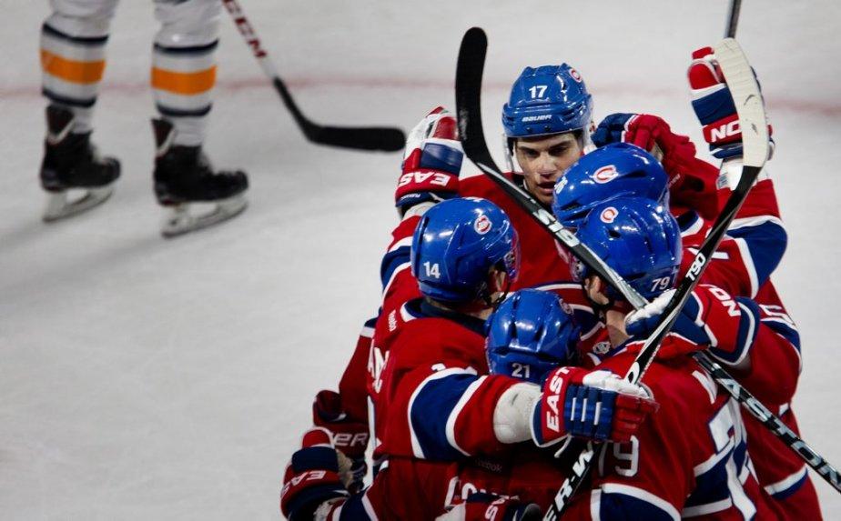 Les joueurs du Canadien célèbrent le premier but du match en toute fin de première période, celui de Rene Bourque. (Photo : Marco Campanozzi, La Presse)